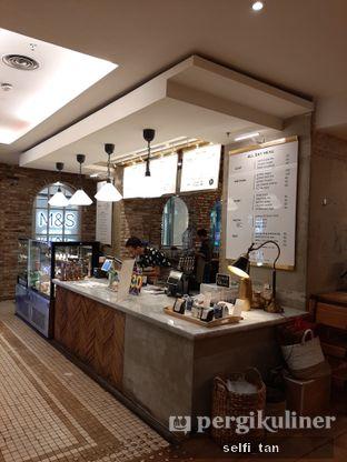 Foto 2 - Interior di Sajiva Coffee Company oleh Selfi Tan