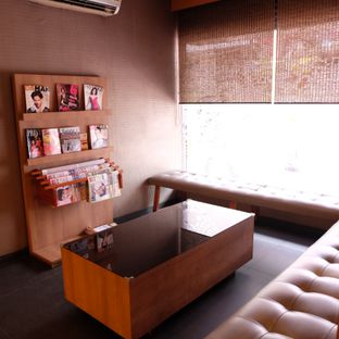 Foto 7 - Interior(waiting room) di Yuki oleh Claudia @claudisfoodjournal