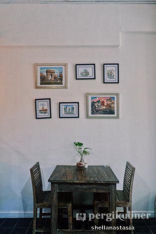Foto 12 - Interior di PLUIE Cafe & Resto oleh Shella Anastasia