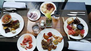 Foto 10 - Makanan di The Cafe - Hotel Mulia oleh Wiliem Prayogo