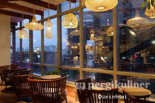 Foto 6 - Interior di Lumine Cafe oleh Darsehsri Handayani