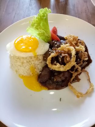Foto 2 - Makanan(Butter rice steak) di The Parlor oleh Ratih Danumarddin