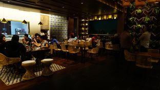 Foto 10 - Interior di Convivium oleh eatwerks