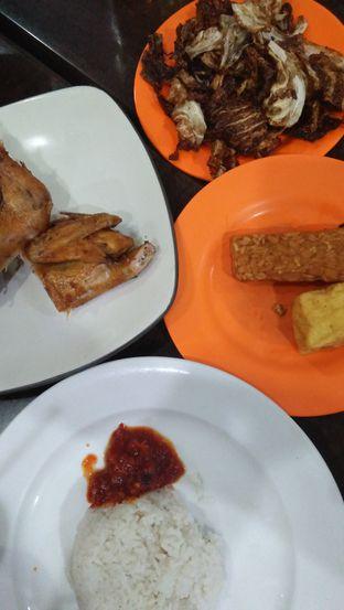 Foto 8 - Makanan di Ayam Goreng Berkah oleh Review Dika & Opik (@go2dika)
