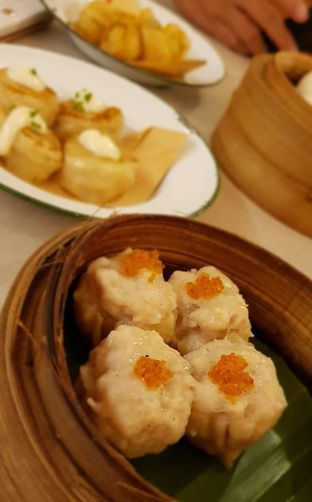 Foto 5 - Makanan(Siomay Ayam) di Ling Ling Dim Sum & Tea House oleh Avien Aryanti