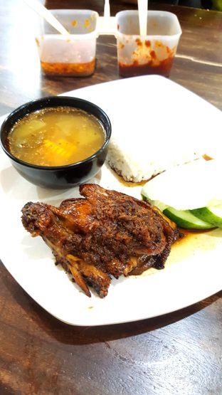 Foto 3 - Makanan di Soto Bu Tjondro oleh Naomi Suryabudhi