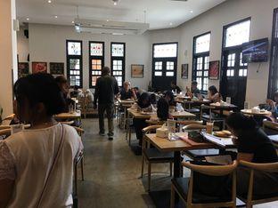 Foto 8 - Interior di Upnormal Coffee Roasters oleh Mariane  Felicia