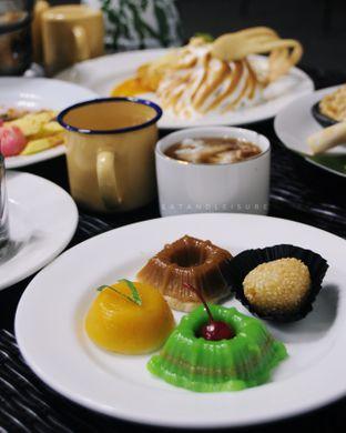 Foto review IR Resto - Gumilang Regency Hotel oleh Vina | Eat and Leisure 5