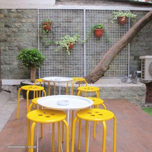 Foto 4 - Interior di Berlalu oleh Kuliner Addict Bandung