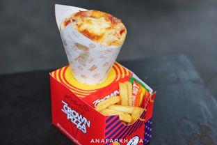 Foto 2 - Makanan di Crown Pizza Cone oleh Ana Farkhana