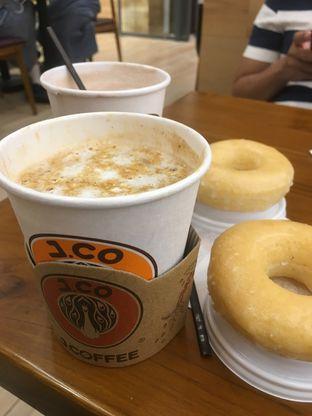 Foto 13 - Makanan di J.CO Donuts & Coffee oleh Prido ZH