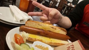 Foto 5 - Makanan(jumbo grilled hotdog) di Hog Wild with Chef Bruno oleh Komentator Isenk