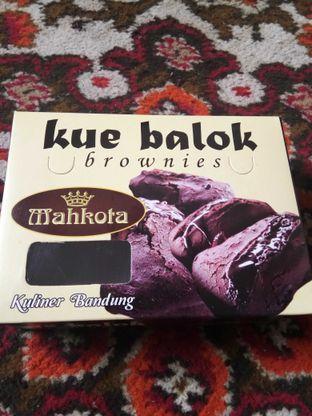 Foto 1 - Makanan di Kue Balok Brownies Mahkota oleh Wina M. Fitria