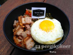 Foto review Tiga Anak Bawang oleh Tirta Lie 2