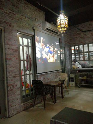 Foto 5 - Interior di Roastworks Coffee and Shisha oleh Lili Alexandra