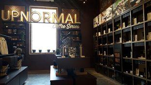 Foto 5 - Interior di Upnormal Coffee Roasters oleh Nadia Indo