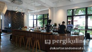 Foto 7 - Interior di Crematology Coffee Roasters oleh Jakartarandomeats