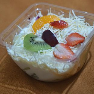 Foto 1 - Makanan(Salad Buah Yoghurt) di Yoichiz Food oleh Fadhlur Rohman