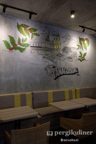 Foto 4 - Interior di Tanagodang Coffee oleh Darsehsri Handayani