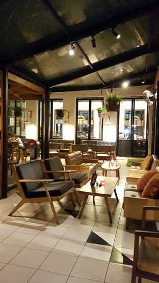 Foto 6 - Interior di Saka Bistro & Bar oleh Jessica Sisy