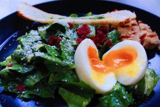 Foto 4 - Makanan(Market Vegetable Salad) di Cups Coffee & Kitchen oleh Novita Purnamasari