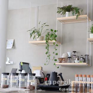Foto 14 - Interior di Threelogy Coffee oleh Ectararin