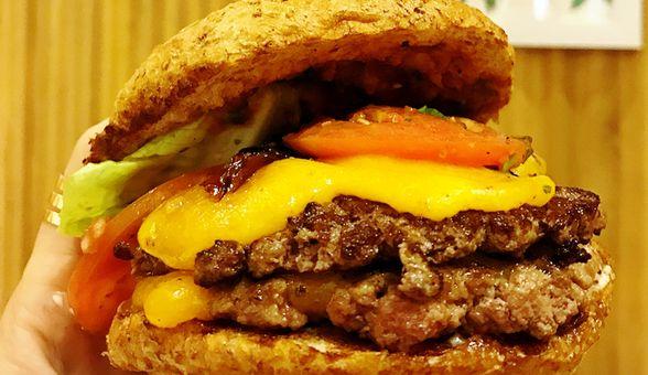 Tempat Makan Baru di Jakarta yang Happening dan Wajib Dicoba di Bulan Ini