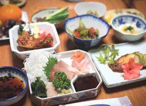 Aturan Makan Sehat Menurut Orang Jepang, Kamu Bisa Tiru Ini!
