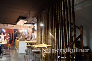 Foto 6 - Interior di Kama Coffee & Co oleh Darsehsri Handayani
