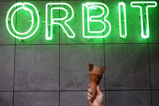 Foto 1 - Makanan di Orbit Gelato oleh Deasy Lim