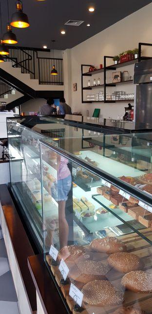 Foto 3 - Interior di Fortaleza Boulangerie oleh Meri @kamuskenyang