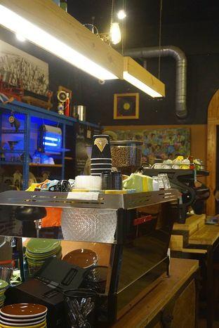 Foto 27 - Interior di Giyanti Coffee Roastery oleh yudistira ishak abrar