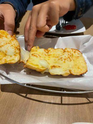 Foto review Pizza Hut oleh Kami  Suka Makan 1