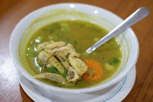 Foto 8 - Makanan(Sup Ayam) di RM Taliwang Bersaudara oleh Chrisilya Thoeng