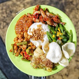 Foto - Makanan(Nasi Uduk) di Nasi Uduk Ibu Jum oleh Stellachubby