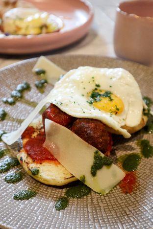 Foto 3 - Makanan di Lume Restaurant & Lounge oleh thehandsofcuisine