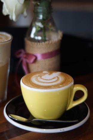 Foto 5 - Makanan(Cappuccino) di Hara - Kollektiv Hotel oleh Fadhlur Rohman