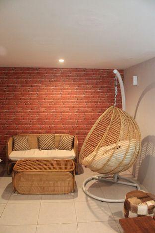 Foto 14 - Interior di Hidden Haus Coffee & Tea oleh Prido ZH