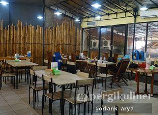 Foto 7 - Interior di Bebek Omahan oleh Kang Jamal