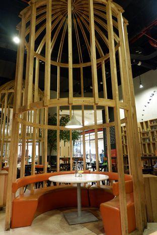 Foto 8 - Interior di Hummingbird Eatery oleh iqiu Rifqi