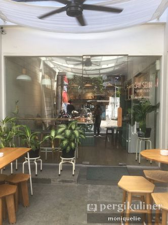 Foto Eksterior di Titik Koma Coffee