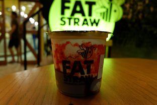 Foto 9 - Makanan(With Strawberry, Pudding, Honey Boba) di Fat Straw oleh Chrisilya Thoeng