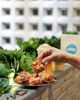 Foto 2 - Makanan di YOMS Pisang Madu & Gorengan oleh Ken @bigtummy_culinary