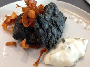 Foto 6 - Makanan di PASOLA - The Ritz Carlton Pacific Place oleh awakmutukangmakan