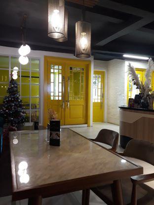 Foto 9 - Interior di Brouwen Coffee & Kitchen oleh Mouthgasm.jkt