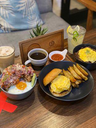 Foto 6 - Makanan di Jonbon's Coffee & Eatery oleh Jeljel