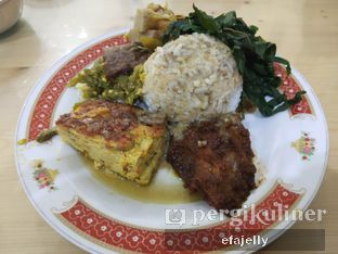 Foto 1 - Makanan(Nasi Telur Dadar + Rendang) di RM Pondok Minang Jaya oleh efa yuliwati
