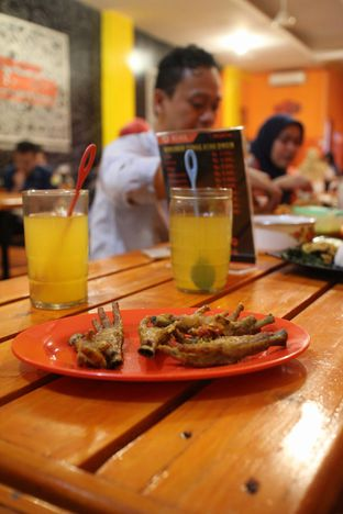 Foto 3 - Makanan di Ayam Goreng Nelongso oleh achmad al farisi