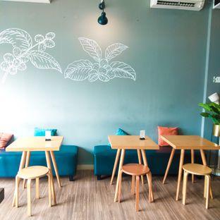 Foto 10 - Interior di Bhumi Coffee oleh duocicip