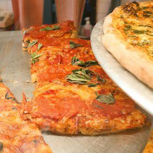 Foto 1 - Makanan di Pizza Place oleh thehandsofcuisine